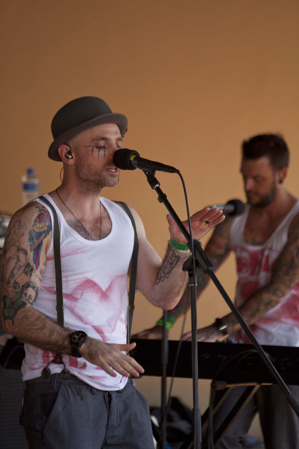 http://www.durbanite.co.za/wp-content/uploads/2016/03/The-Parlotones-1050x1575.jpg