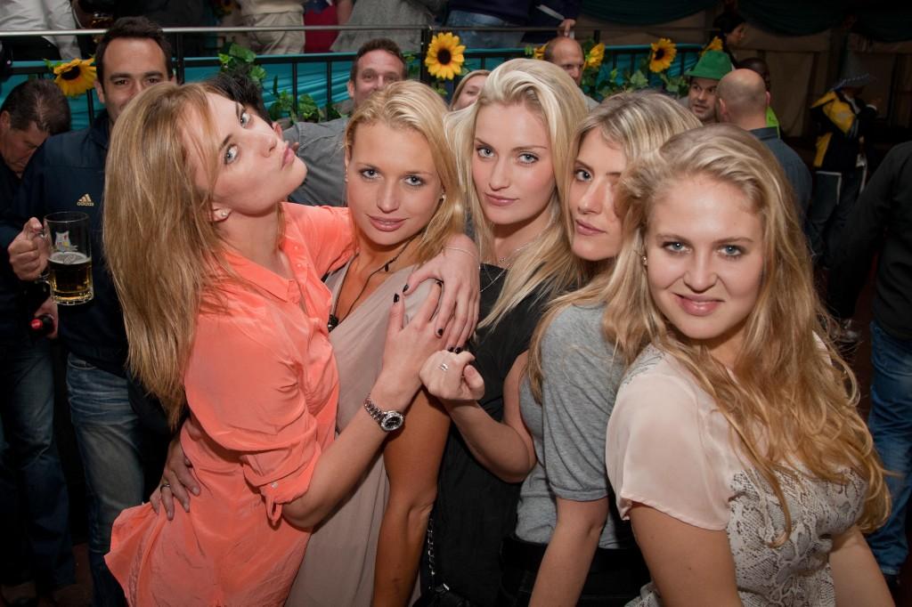 Roxy Blondes
