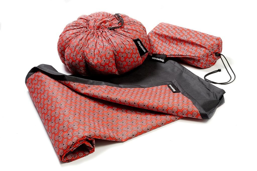 Summer Wonder (i.e one large Wonderbag paired with a matching waterproof picnic mat) – R695